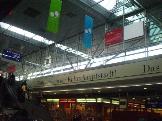 Linz -Σιδηροδρομικός Σταθμός και πανώ της Πολιτιστικής Πρωτεύουσας