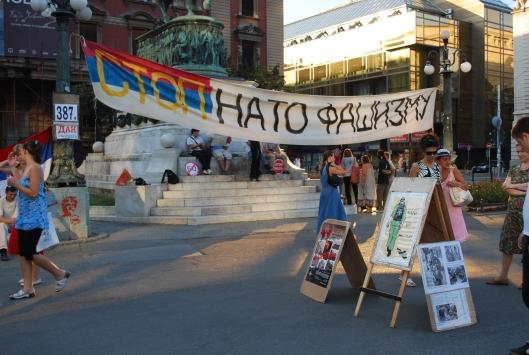 Βελιγράδι - αντινατοϊκή διαμαρτυρία στην πλ. Μιχάηλοβα